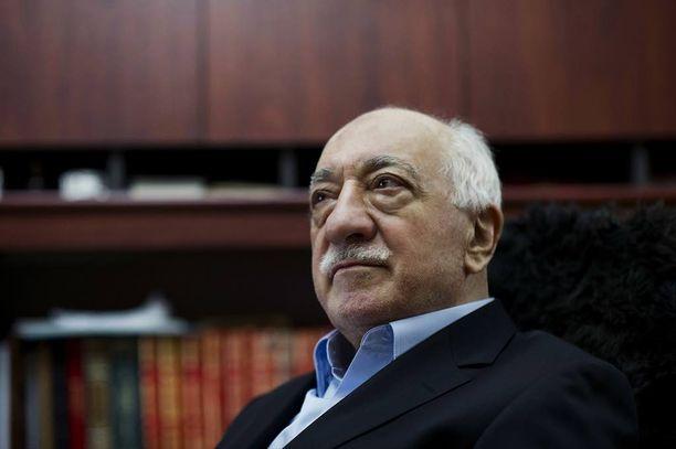 Fethullah Gülen johtaa vaikutusvaltaista verkostoa Yhdysvalloista käsin.