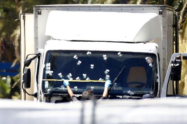 Nizzan isku oli Euroopan tappavin. Viime vuonna tehdyistä noin 700 jihadistipidätyksestä yli 400 tehtiin Ranskassa.