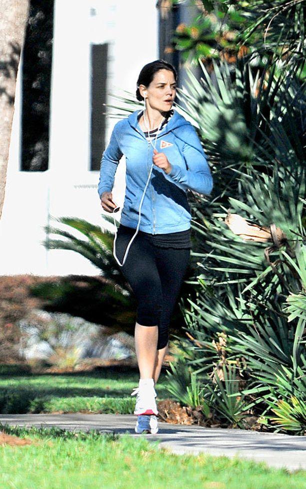 Katie ei malta olla juoksematta edes lomalla. Tyttärensä ja vanhempiensa kanssa Orlandossa viime kesänä reissussa ollut Katie livahti välillä lenkille.