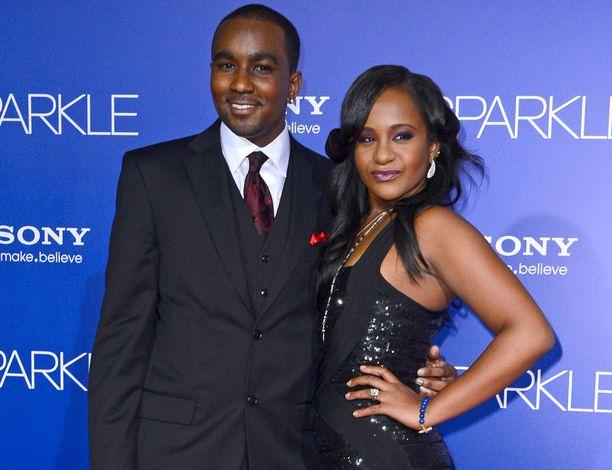 Lähipiiri ei katsonut hyvällä Whitney Houstonin ottopoika Nick Gordonin ja tytär Bobbi Kristina Brownin suhdetta.