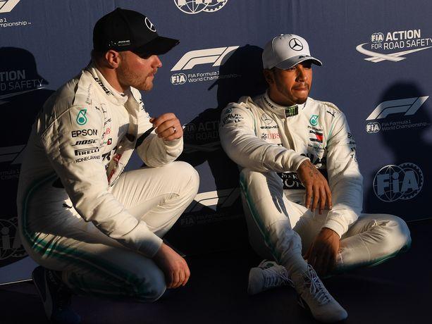 Valtteri Bottas ja Lewis Hamilton tekivät Australian GP:n aika-ajoissa sen, mihin viime vuosina on jo totuttu: valtasivat Mercedeksellä sijat yksi ja kaksi.