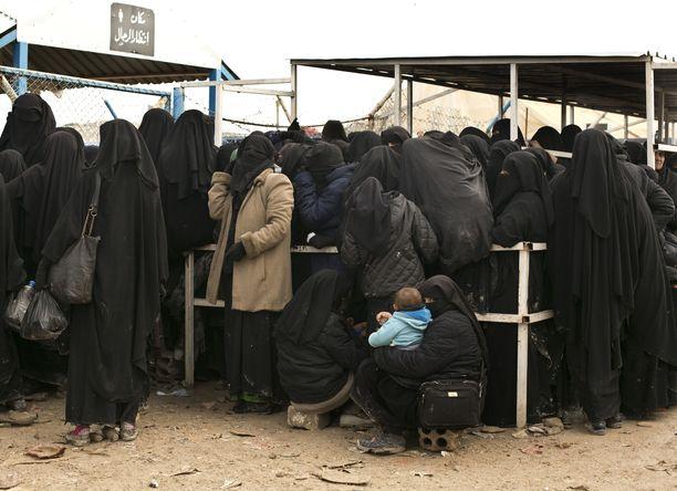 Al-Holin pakolaisleirillä elää noin 73 000 ihmistä. Leirin olot ovat siellä käyneiden mukaan kammottavat.