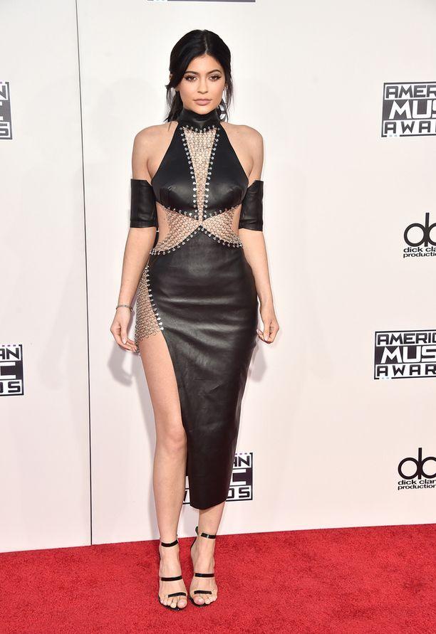 Kylie Jennerin edesottamuksia Twitter-sivustolla seuraa 12,5 miljoonaa käyttäjää.