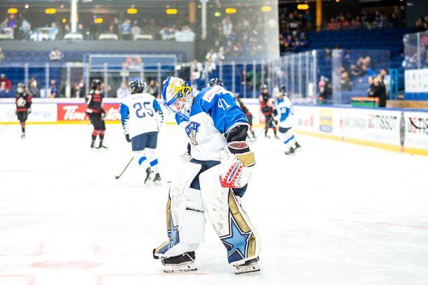 Maailman paras naismaalivahti Noora Räty ei lähde Halifaxin MM-kisoihin.