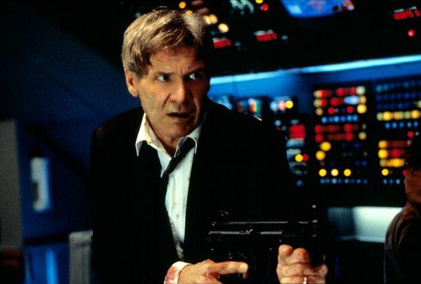 Harrison Ford näyttelee sankarillista presidenttiä Air Force One -elokuvassa.