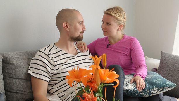 Heikki tuntee olonsa kotoisaksi Miinan luona.