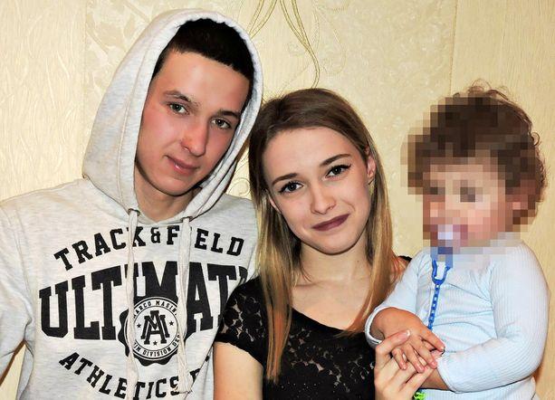 Perhe oli juhlimassa äidin 21. syntymäpäivää onnettomuuden tapahtuessa.