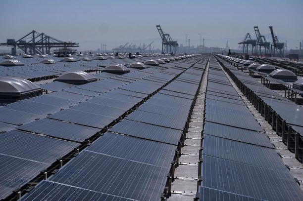 San Pedrossa talojen katoilla sijaitseva aurinkovoimala tuottaa sähköä 5 000 kodin tarpeisiin. Vuonna 2017 Kalifornia tuotti noin 10 prosenttia sähköstään aurinkoenergialla ja yhteensä lähes 30 prosenttia uusituvilla energiamuodoilla.