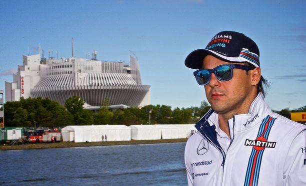 Felipe Massa kolhi Williamsiaan heti ensimmäisissä harjoituksissa.