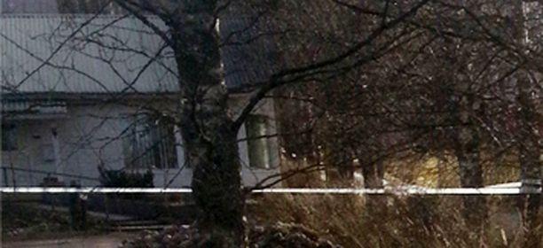 Poliisi oli eristänyt omakotitalon Hausjärventiellä.