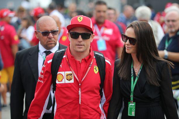 Kimi ja Minttu Räikkönen menivät naimisiin vuonna 2016.