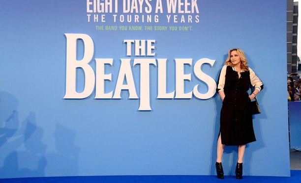 Popin kuningatar Madonna saapui tuoreen Beatles-dokumenttielokuvan ensi-iltaan Lontoossa torstaina.
