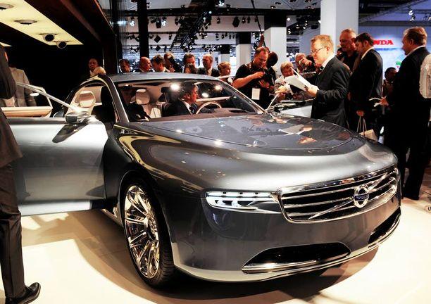 Shanghaissa esitelty Consept Universe on muuntunut Consept U:ksi. Keulassa on nyt enemmän Volvoa – konseptiauto tarjoaa näkymän tulevaan luksus-Volvoon.