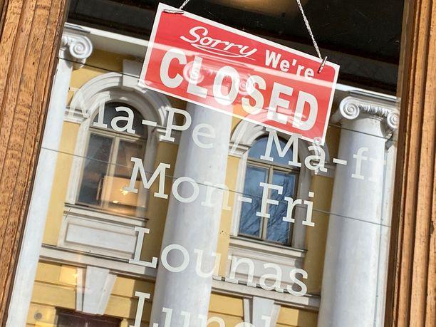 Ravintolat eivät saa olla auki asiakkaille 31. toukokuuta saakka, mikä on tuonut pahan iskun niiden talouteen.