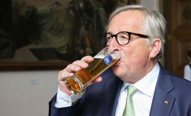 Jean-Claude Junckerin tiedetään pitävän valkoviinistä ja ginistä, mutta hänelle maistuu myös olut.