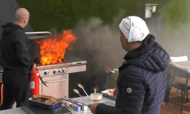 Janne Porkan grillaus ei mennyt putkeen.