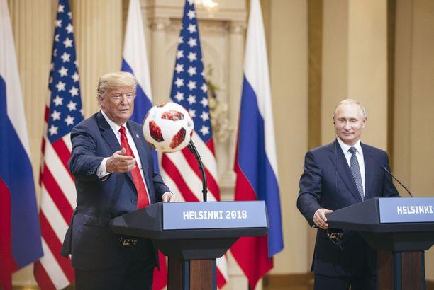 Donald Trump ja Vladimir Putin tapasivat kesällä Helsingissä. Tuolloin lehdistö tiedusteli Putinilta sekaantumisesta Yhdysvaltain vaaleihin.