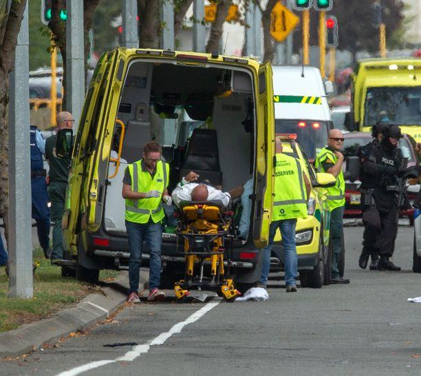 Useita kuollut iskuissa moskeijoihin Uudessa-Seelannissa.