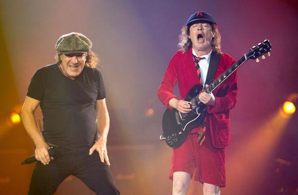 AC/DC esiintyy keskiviikkona Hämeenlinnassa.