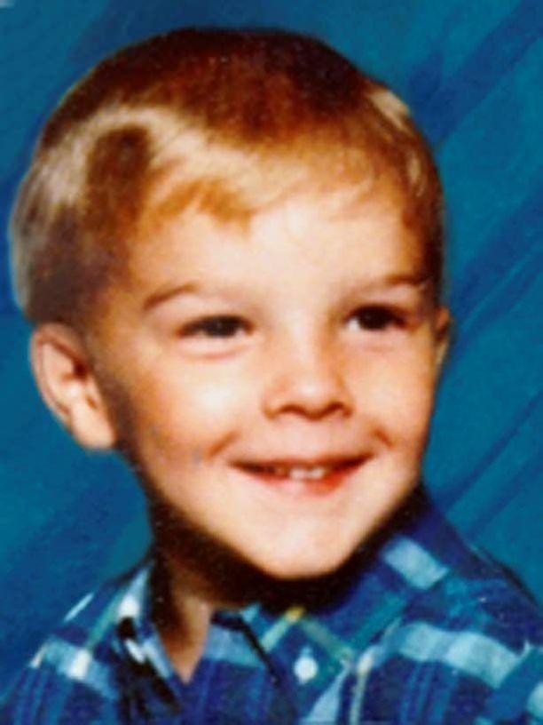 Äiti sieppasi Nathan Slinkardin tämän ollessa 5-vuotias ja salakuljetti hänet Meksikoon. 18 vuotta myöhemmin Nathan palasi kotiin Yhdysvaltoihin isänsä luo.