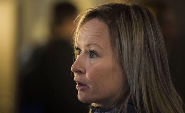 Riitta-Liisa Roposella todettiin selän välilevyn pullistuma.