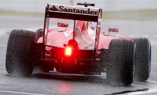 Sebastian Vettel ajoi syyskuussa Suzukan radalla sateisissa olosuhteisissa.