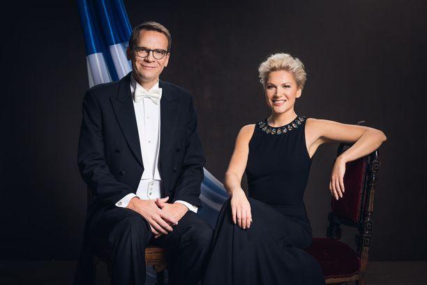 Heikki Ali-Hokka ja Sanna Savikko juontavat Ylen etkot.