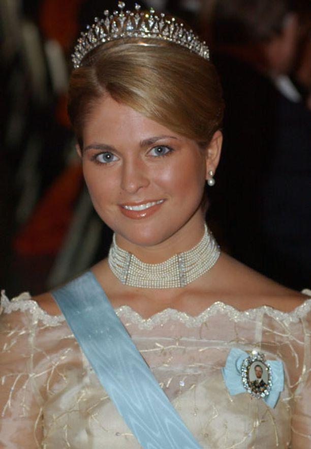 Kuningas Kaarle Kustaa XVI on antanut hyväksyntänsä kihlaukselle.