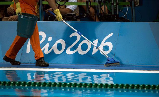 Rion vapaaehtoiset eivät ole tyytyväisiä oloihinsa.