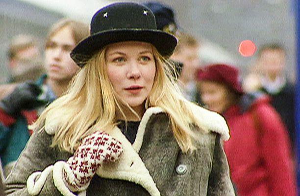 Pirjo Moilanen esittää Laura Mäkimaata.