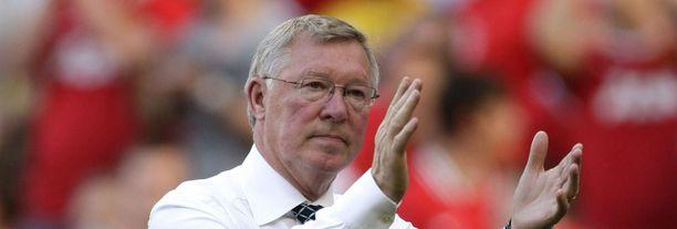 Sir Alex Fergusonin menestyksen väitetään johtuvan rahasta.