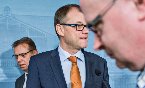 Ylen tietojen mukaan Sipilä puhuu Kesärannassa puoluejohtajien kanssa Turun iskun jälkeisistä tapahtumista.