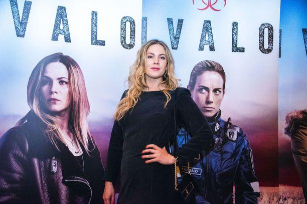 Pihla Viitalan ensi vuoden alku on täynnä töitä, kun hän kuvaa kansainvälsitä sarjaa ja Karppi saa jatkoa.