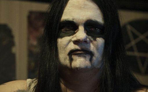 Tänään tv:ssä: Azazel-yhtyeen satanisti Lord Satanachia, 45, antaa palaa: Haluaa polttaa kirkon ja vihaa ihmisiä
