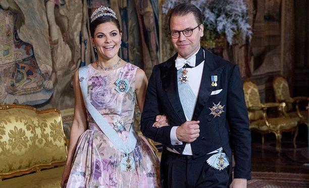 Kruununprinsessa Victoria ja prinssi Daniel osallistuivat viime vuonna Nobel-seremonioiden juhlaillallisille.