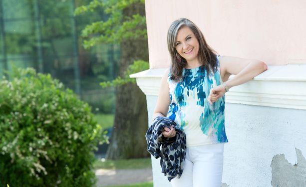 Rakkautta löytääkseen pitää olla aktiivinen, deittausvalmentaja Mia Halonen muistuttaa.