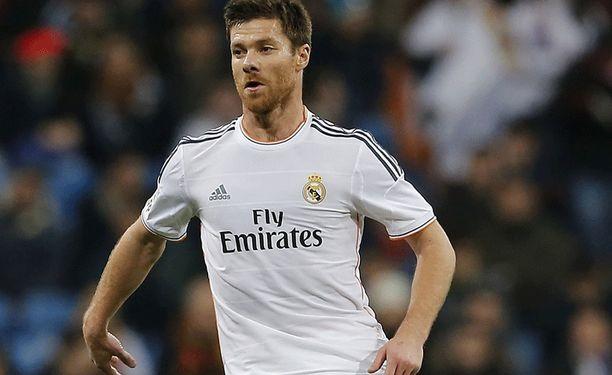 Xabi Alonso on tärkeä pelaaja Real Madridin keskikentällä.