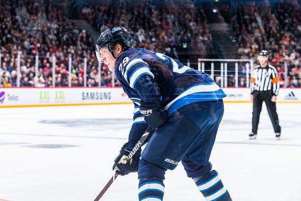 Jetsin Patrik Laine laukoi Helsingissä joukkueensa kuudesta maalista neljä.