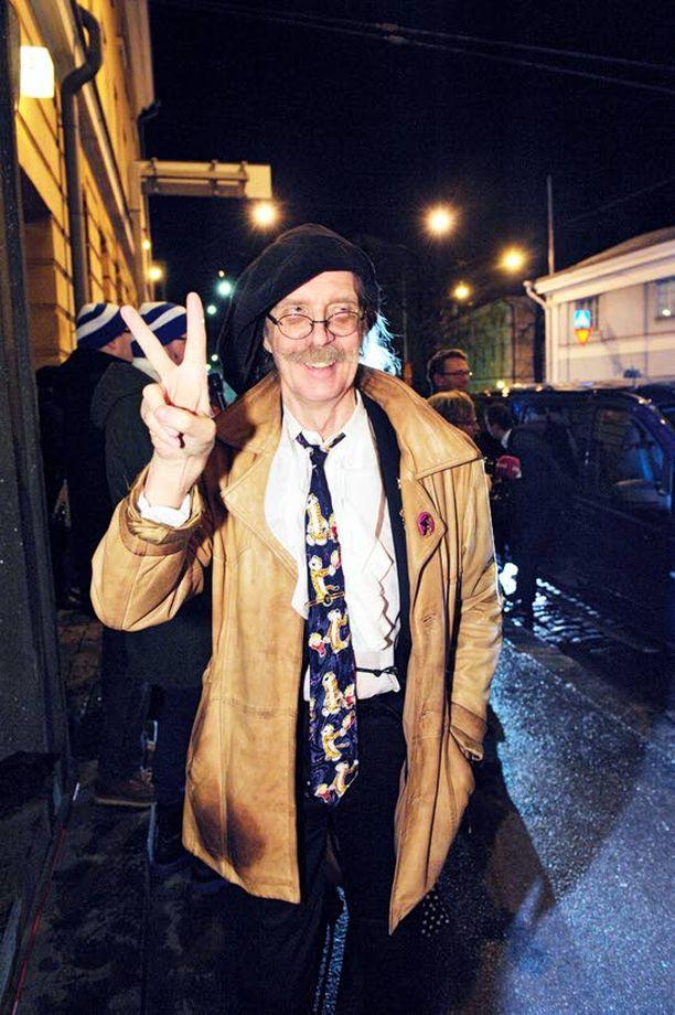 SOLMIO Veltto Virtanen juhli Linnassa piraatti kaulallaan ja on ylpeä siitä.