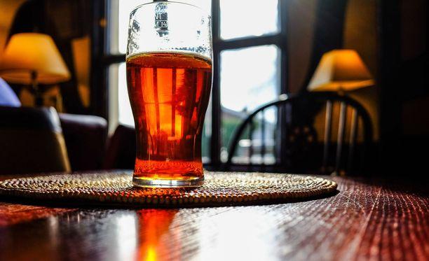 Kaikista kuntoutustuen päättäneistä 14 prosenttia oli luokiteltavissa työelämän käytettävissä oleviksi. Alkoholin ongelmakäyttäjistä heitä oli vain kahdeksan prosenttia.