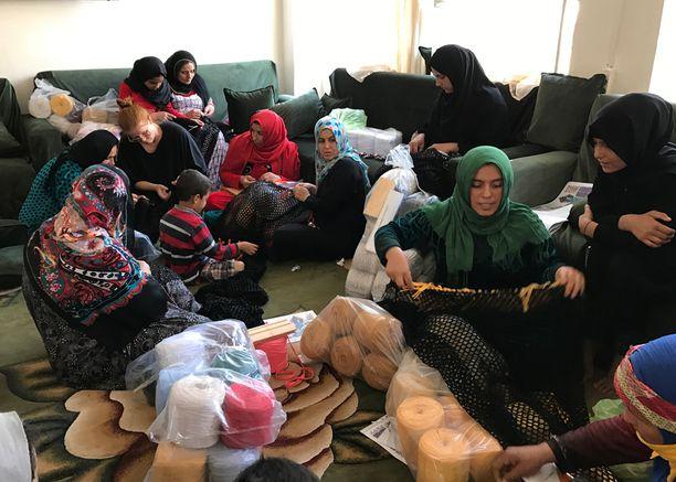 Martta Leskelä on asunut Turkissa. Sinne Syyriasta paenneilla naisilla on hyvin pienet mahdollisuudet työllistyä.