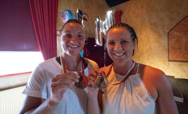 Elina Gustafsson ja Mira Potkonen toivat Suomeen kaksi Euroopan mestaruutta tunnin sisällä.