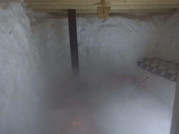 Lassen mukaan kylmät seinät ja kuumat löylyt saavat aikaiseksi kunnon höyryt.