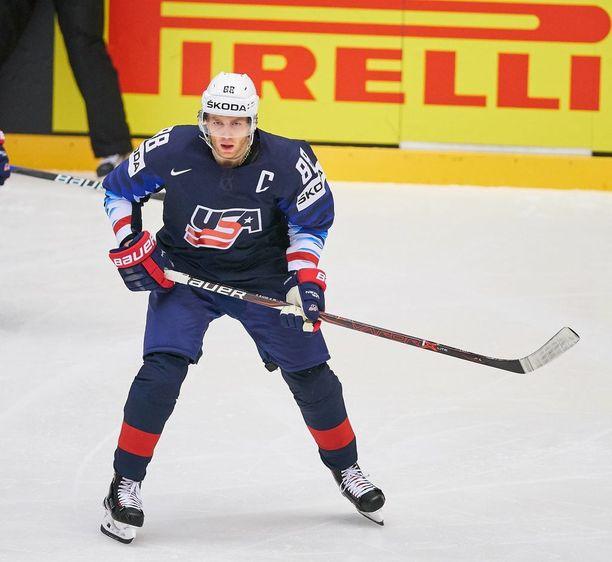 NHL:n parhaiten palkattu pelaaja Patrick Kane nähdään myös MM-jäillä.