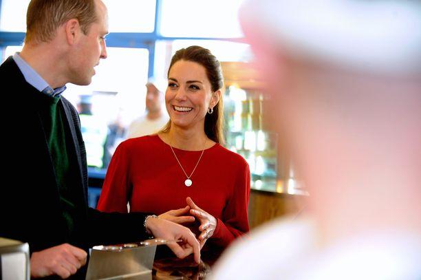 Kuninkaallisasiantuntija ylistää herttuatar Catherinen positiivista vaikutusta aviomieheensä prinssi Williamiin.