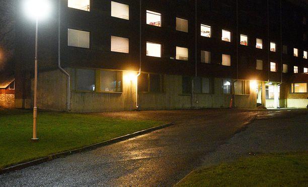 Porin kaupunginjohtajan Aino-Maija Luukkonen kertoo, että oleskeluluvan saaneet turvapaikanhakijat ovat jo asettuneet Porin seudulle Liinaharjan vastaanottokeskuksesta.