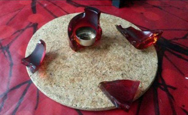 Lopulta kynttilänjalka räjähti riekaleiksi