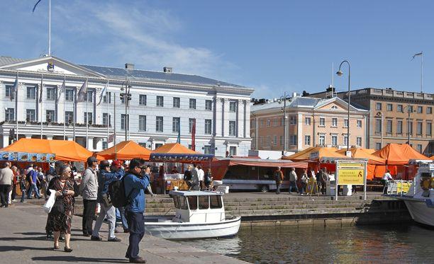 Apua hätään löytyy Kauppatorin kupeessa olevalta Helsingin Kaupungintalolta.