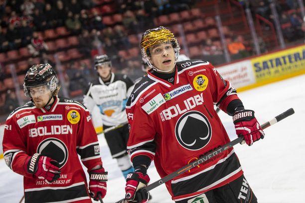 Sakari Salminen jättää porilaisjoukkueen 23 peliä ennen runkosarjan päättymistä.
