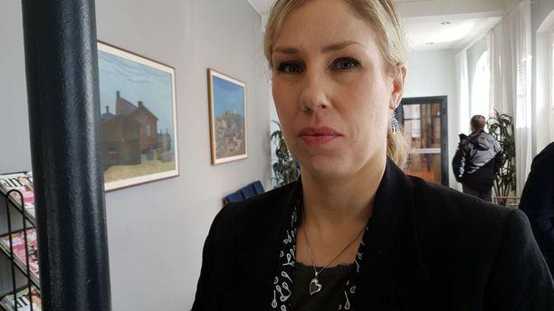Syyttäjä Kaisa Ahva vaatii 10-13 vuoden vankeusrangaistuksia päätekijöille, joita jutussa on 10.